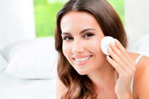 Cómo  eliminar los granos de la cara