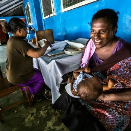 Madre de las Islas Salomon. Día Mundial de la Salud.