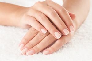 Cómo fortalecer las uñas frágiles